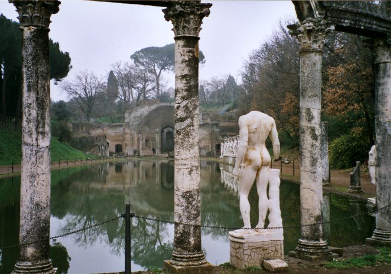 Villa_adriana_canopos