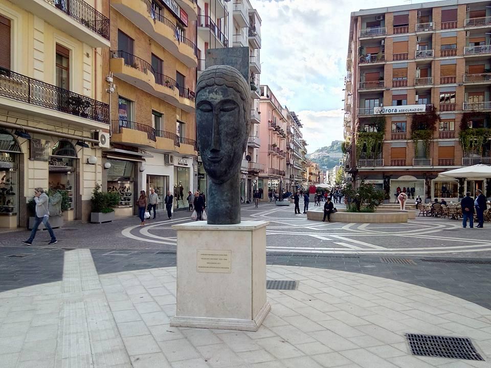 Testa_di_cariatide_-_Cosenza