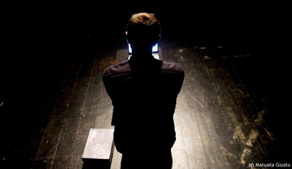 Teatro Argot Aleksandros Memetaj - Elogio della Follia #ilikedopamina