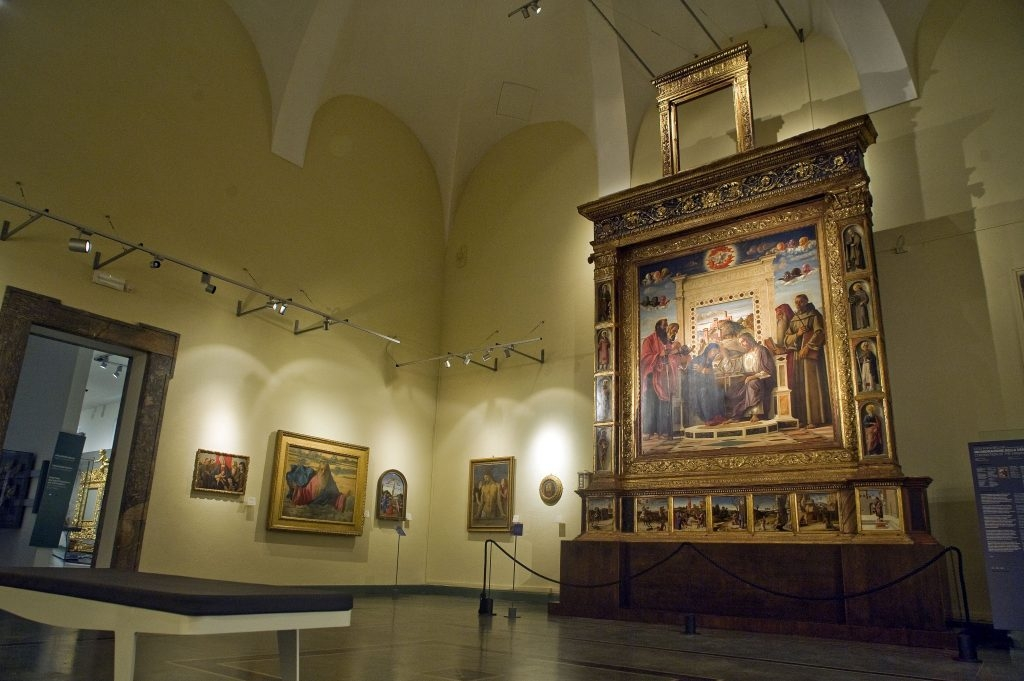 Sala-Bellini_pala-ph-Alessandro-Giampaoli-1024x681